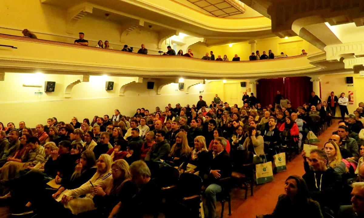 Así fue el IV Congreso OVNI Internacional en Victoria